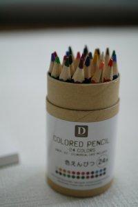 ダイソー 色鉛筆 24色
